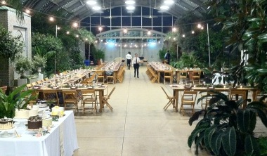 Named One Of Chicago S Top Ten Event Venues This Public E Sparkles With Festive Flowers And Greenery Room Houses Bistro Tables For The To
